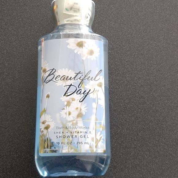 NWT Bath & Body Works Beautiful Day Shower Gel